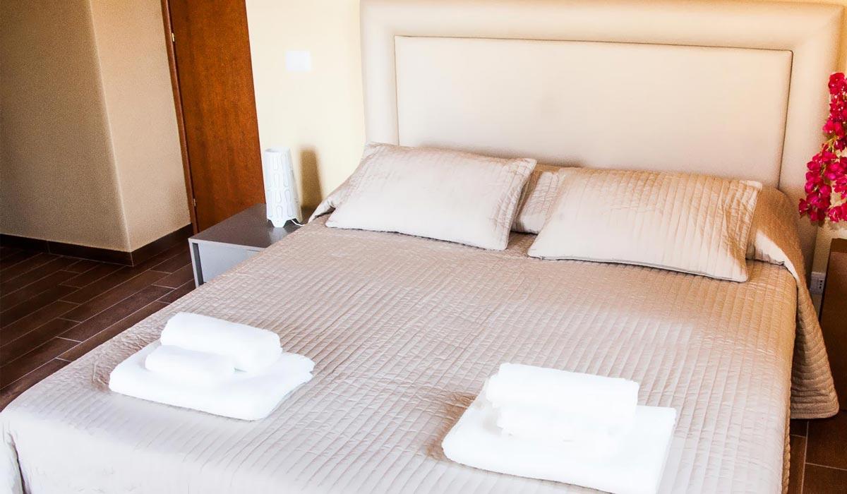 imgs-camere_sciara-superior-letto